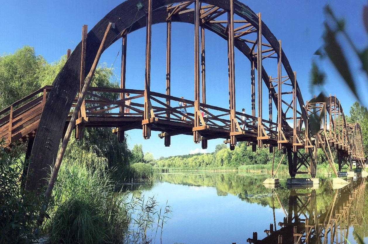Most na ostrov ostrov Kányavár, Kis Balaton, Maďarsko
